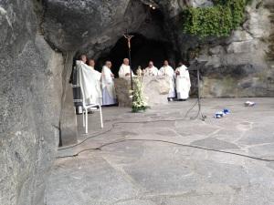 messe à la grotte 9062015 1
